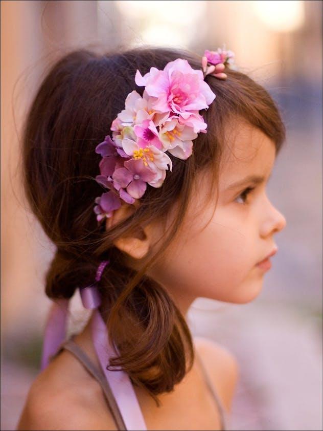 Coiffure enfant coiffure de c r monie pour petite fille - Coiffure couronne de fleurs ...