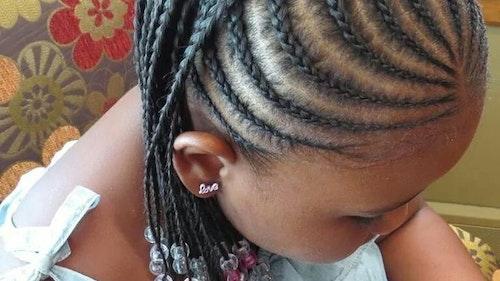 coiffures 25 id es de tresses pour petite fille. Black Bedroom Furniture Sets. Home Design Ideas