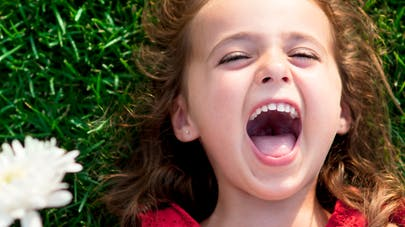Canada : une fillette de 5 ans récolte de l'argent pour   guérir son frère