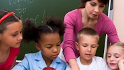 Etats-Unis : des bureaux debout pour des enfants plus   attentifs à l'école
