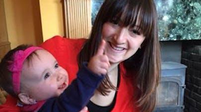 Une maman londonienne dit stop aux jugements incessants   sur la façon dont elle élève sa fille