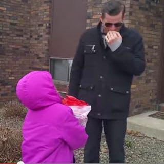 Un papa daltonien découvre ses enfants en couleurs pour la   première fois
