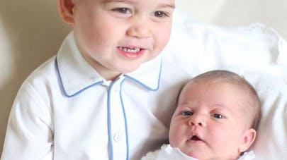 Le prince George et sa petite sœur Charlotte : les   premiers portraits officiels