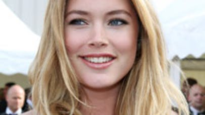 Doutzen Kroes poste une nouvelle photo d'elle en train   d'allaiter
