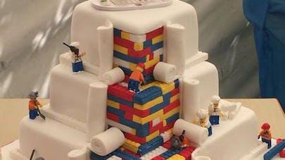 Londres : un gâteau en Lego fait le buzz