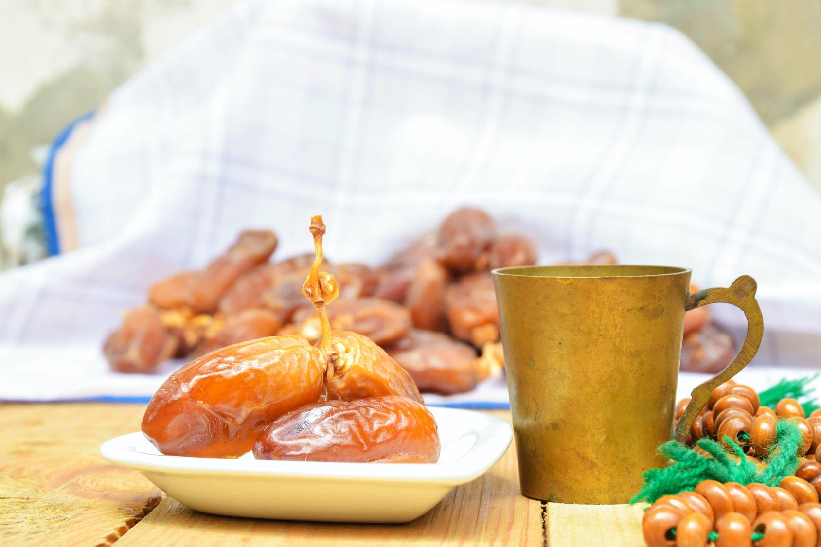 Ramadan : le jeûne, incompatible avec la grossesse   ?