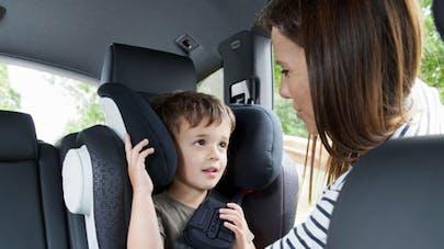 Sécurité des enfants en voiture : les parents encore trop   négligents