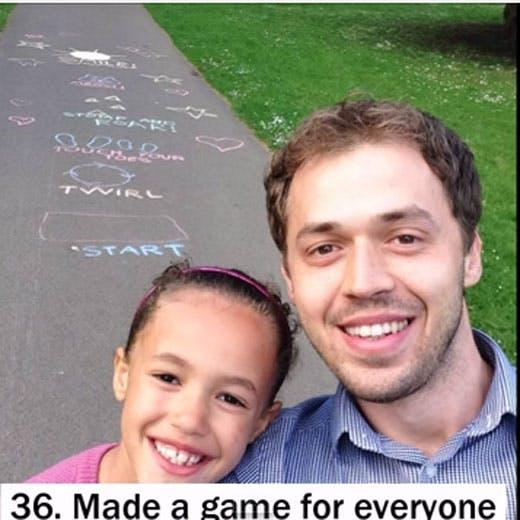 Un papa et sa fille célèbrent leur anniversaire avec des   bonnes actions