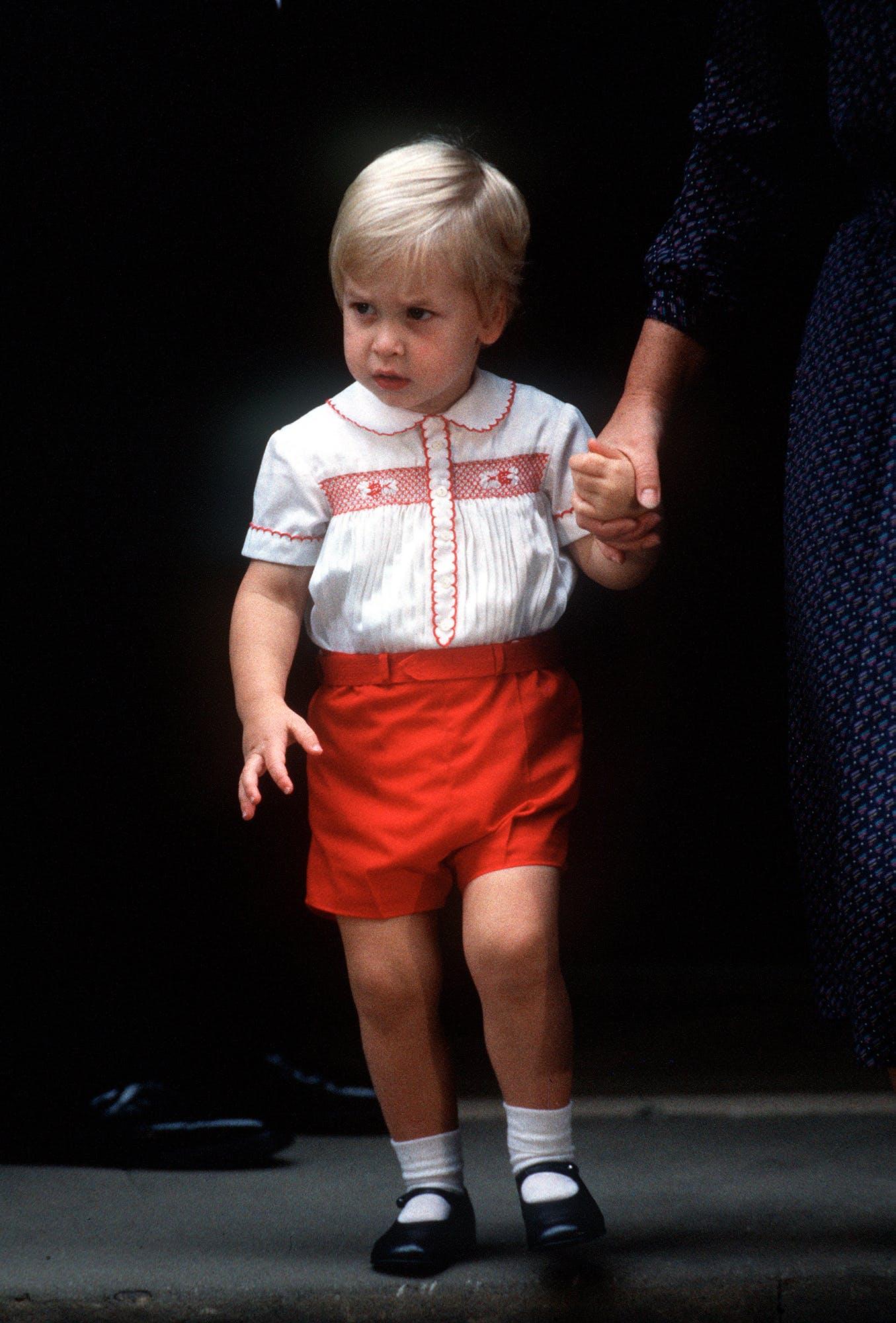 Le prince William et le prince George : tel père, tel         fils