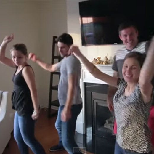Une parodie de « Shup Up and Dance » pour une double   annonce de grossesse !