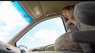 Elle accouche dans une voiture en 3 minutes