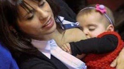 Argentine : une députée allaite son bébé en pleine séance  au Parlement