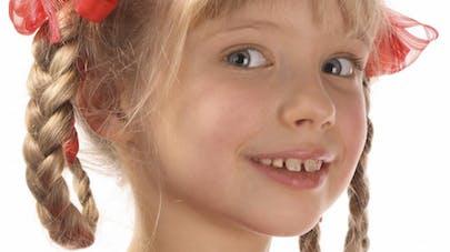 Etats-Unis : un salon de coiffure spécial où les papas   apprennent à coiffer leur fillette