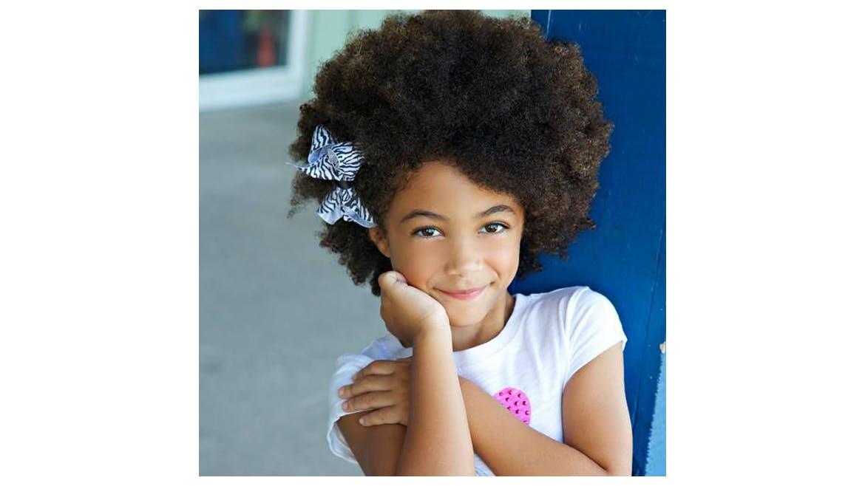 Photos 15 coiffures de petite fille pour cheveux cr pus - Coupe pour fille de 12 ans ...