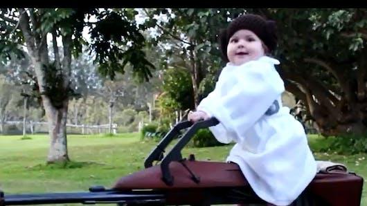 Vidéo : un australien fabrique un étonnant cheval à   bascule Star Wars pour sa fille