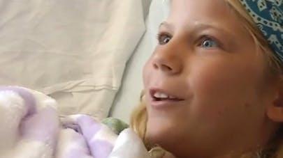 Etats-Unis : une fillette, mordue par un requin, retourne   à l'eau pour sauver son amie