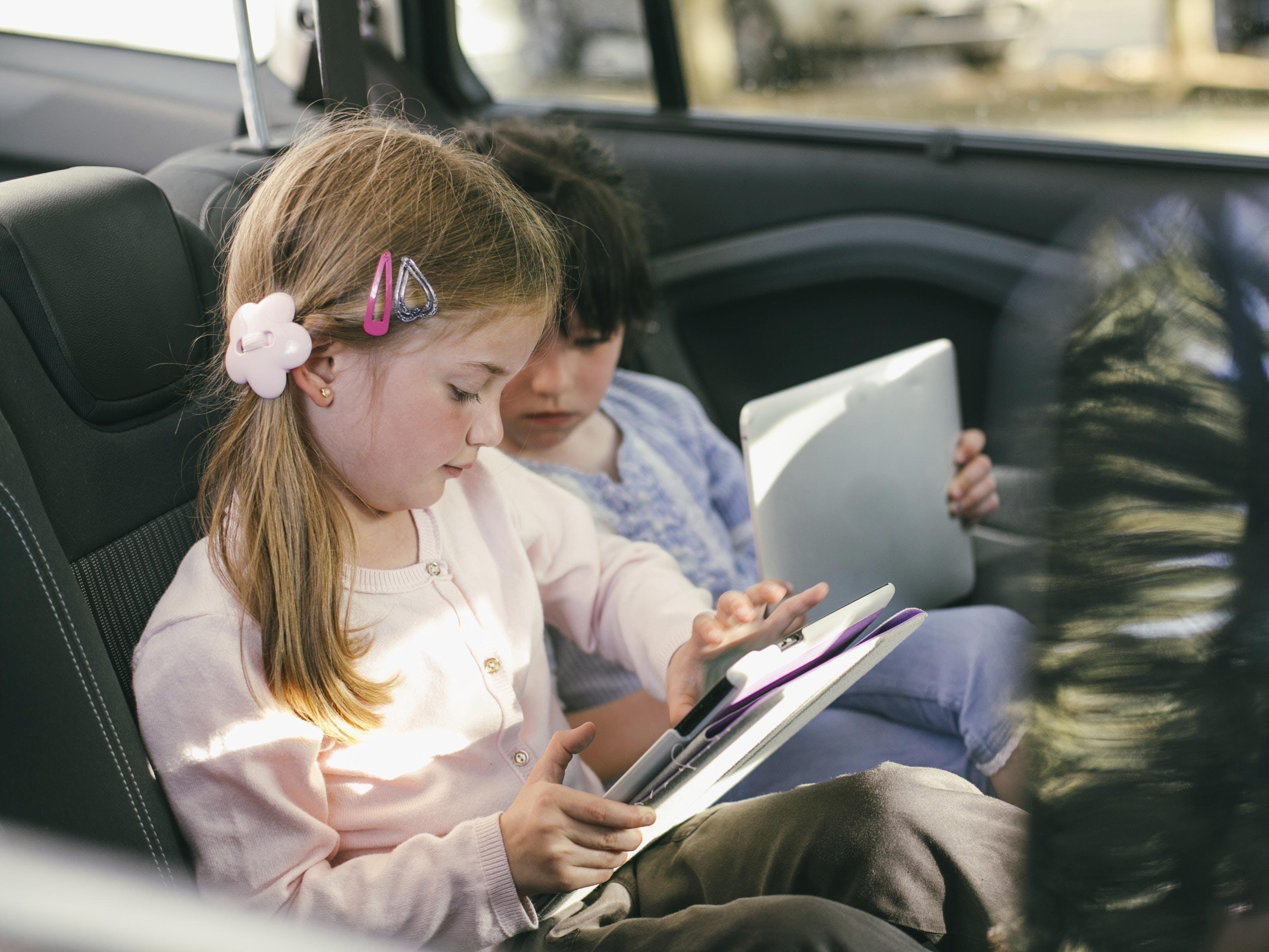 Vacances : nos astuces pour faire patienter les enfants  pendant le trajet