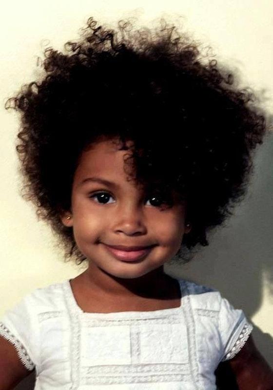 photos 20 coiffures courtes pour petites filles. Black Bedroom Furniture Sets. Home Design Ideas