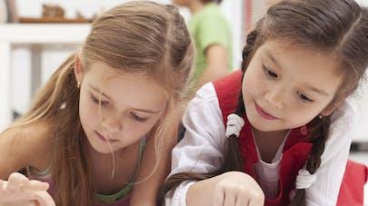 Ecrans : des spécialistes alertent sur les effets néfastes   chez l'enfant