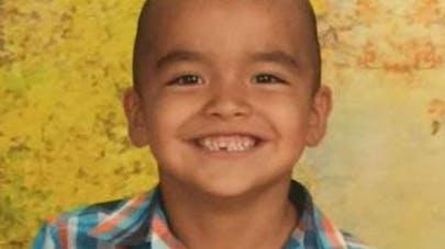 Etats-Unis : un enfant renvoyé de sa classe à cause de sa   coupe de cheveux