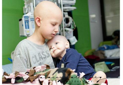 15 photos touchantes de jeunes enfants combattant le   cancer