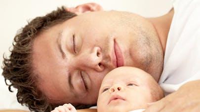 Congé paternité : les papas le prendraient plus facilement   si c'est un garçon