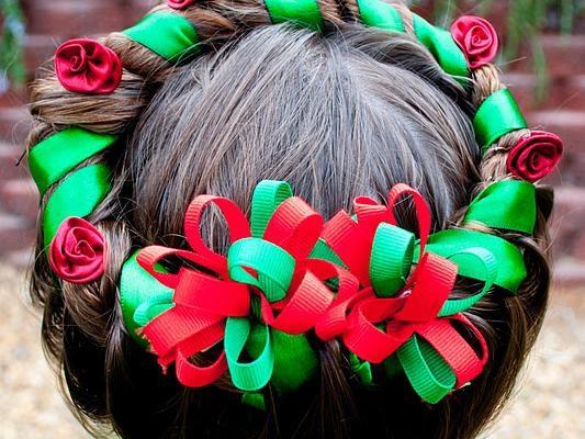 10 idées de coiffures de Noël pour petites filles  modèles