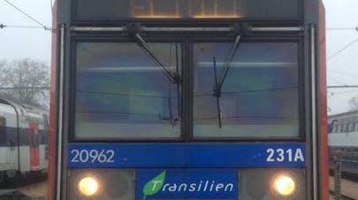 Un enfant de 11 ans passionné par le RER C émeut la   SNCF