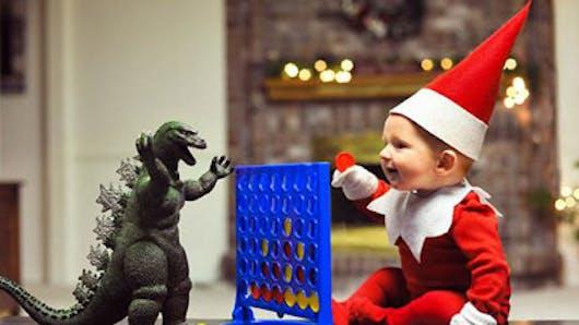 Photos : un papa transforme son bébé de 4 mois en lutin de Noël