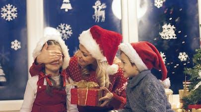 Cadeaux de Noël : un budget moyen de 415 euros par   Français en 2015