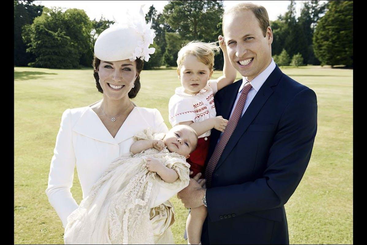 Photo de famille lors du baptême de la princesse         Charlotte