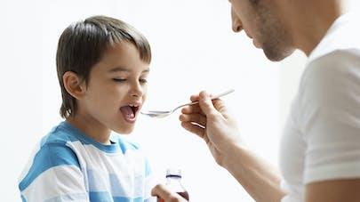 Toux : pas de médicaments à la codéine avant l'âge de 12   ans
