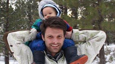 Il récolte du lait maternel pour allaiter son fils selon   le souhait de son épouse décédée