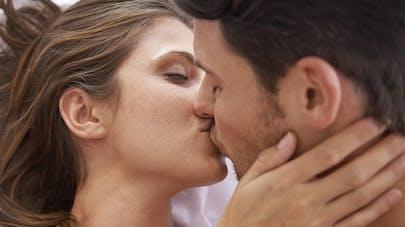 Couple : les relations sexuelles seraient meilleures après   l'accouchement