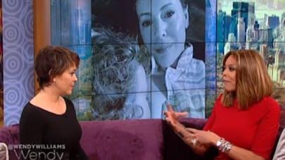 Alyssa Mylano défend l'allaitement lors d'une émission  télé