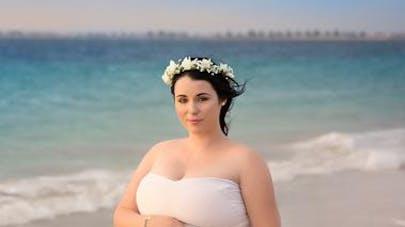 Une future maman enceinte de quintuplés prend la pose   !