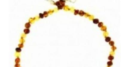 Rappel de produit: un collier d'ambre pour enfant au   fermoir défectueux
