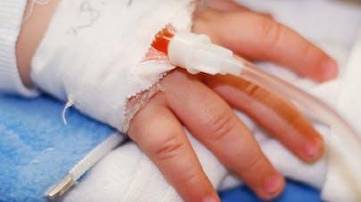 Soins intensifs pédiatriques : la récupération serait plus   rapide sans apport nutritionnel