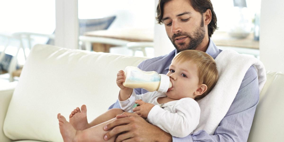 L 39 alimentation de b b les repas de b b - A quel age couper les ongles de bebe ...