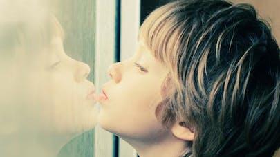 Autisme : le lithium serait efficace contre une forme   génétique