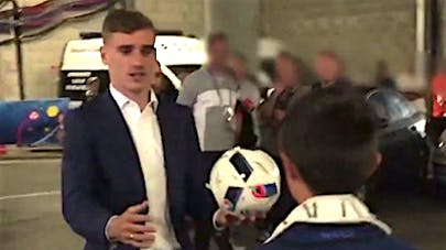 VIDEO : le geste touchant d'Antoine Griezmann