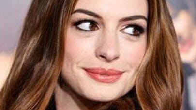 Le message d'Anne Hathaway pour accepter son corps   post-grossesse