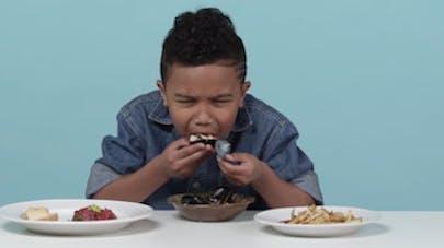 Ces petits Américains goûtent la gastronomie française… et   c'est très drôle ! (VIDEO)
