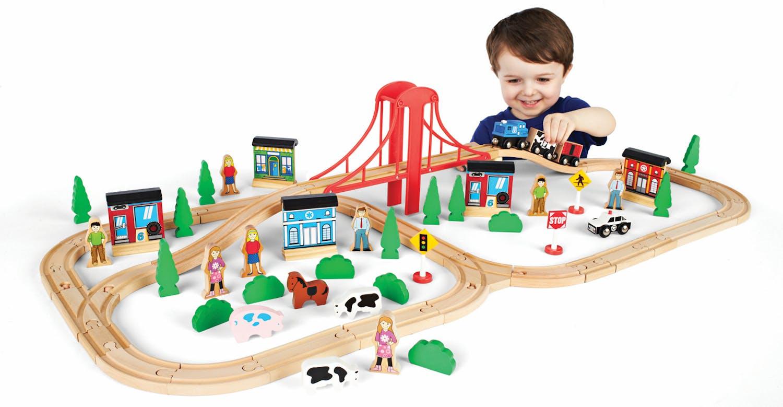 3-5 ans:Circuit Le voyage en train, Toys'R'Us         Universe of imagination, 29,99 €. Dès 3 ans.