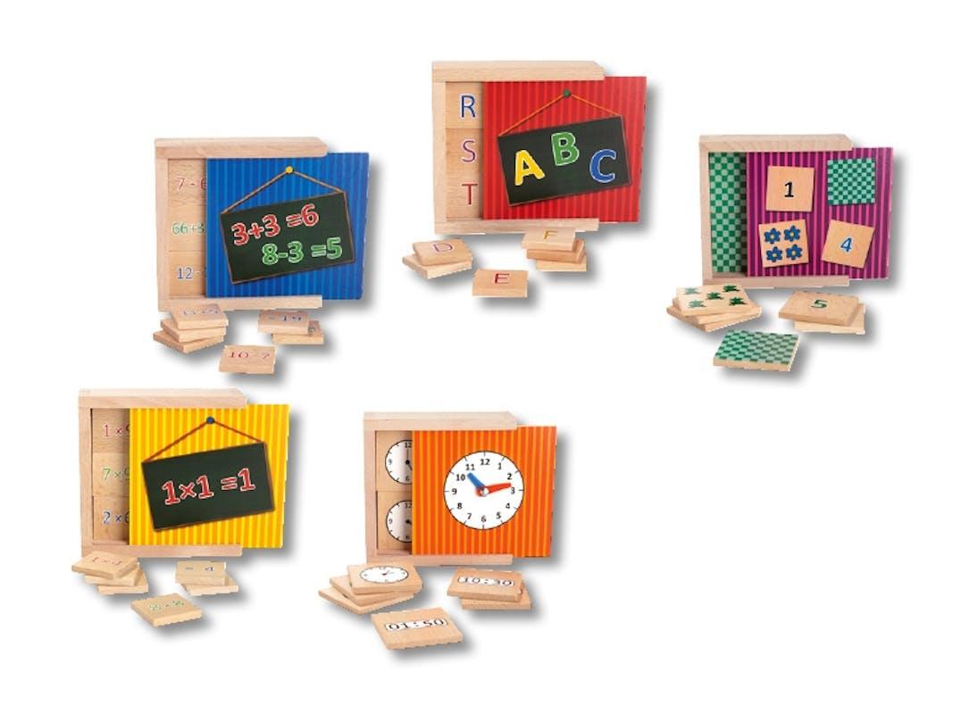 Boîte d'apprentissage en bois, Lidl, 4,99 € l'une. Dès         3 ans.