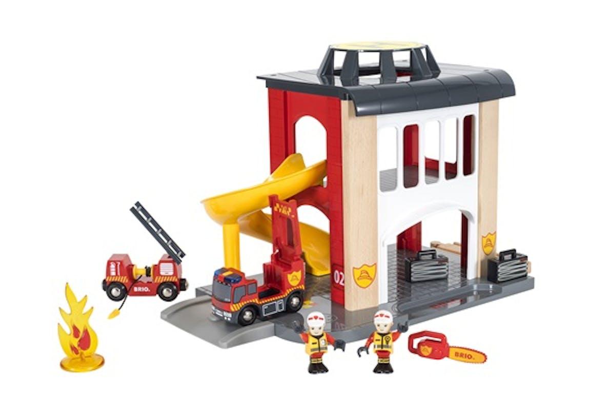 Caserne de pompiers, Brio, 85 €. Dès 3 ans.