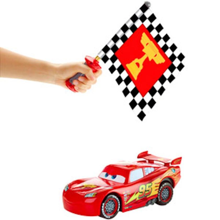 Mac Queen Drapeau super action, Cars Mattel, 89,99 €.         Dès 4 ans.