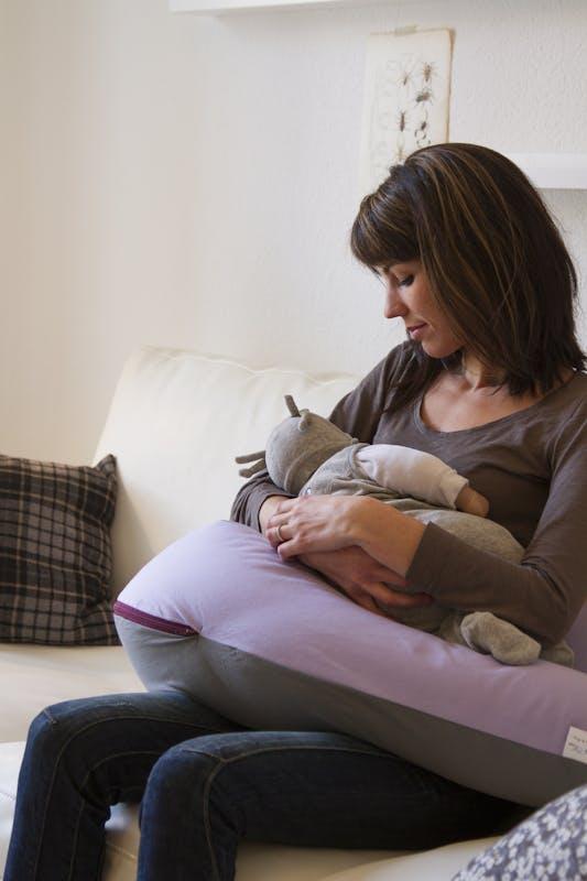 Un joli coussin de grossesse/allaitement