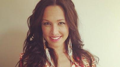 Natasha St-Pier : son fils opéré à cœur ouvert, elle   raconte sa vie de maman