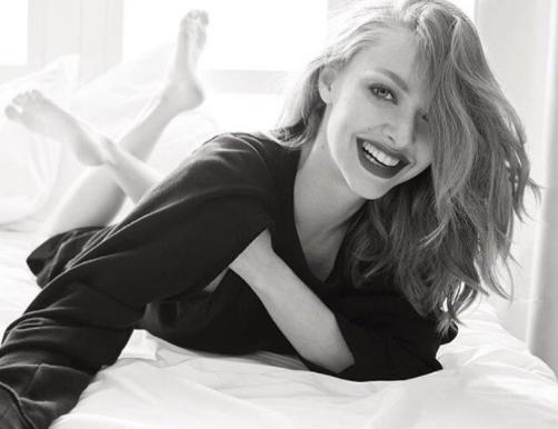 Amanda Seyfried enceinte, elle annonce publiquement la   bonne nouvelle